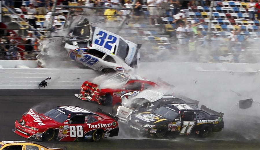 Daytona 2013- Larson Crash