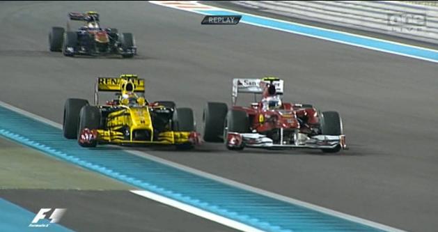 2010 Abu Dhabi GP - Alonso Petrov clash