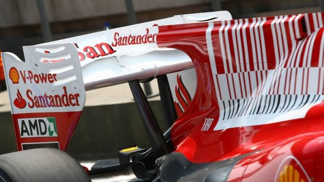 2010-199601-fernando-alonso-esp-scuderia-ferrari-tries-out-the-f-duct-rear-wing-system-for14525426782322158997.jpg